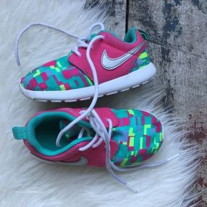 Nike Roshe Shoes Sz 8c